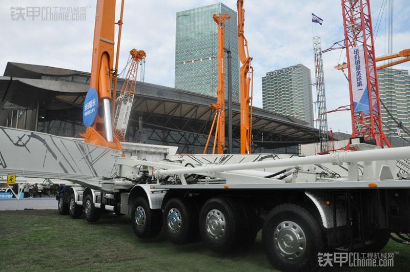 中联重科101米混凝土泵车