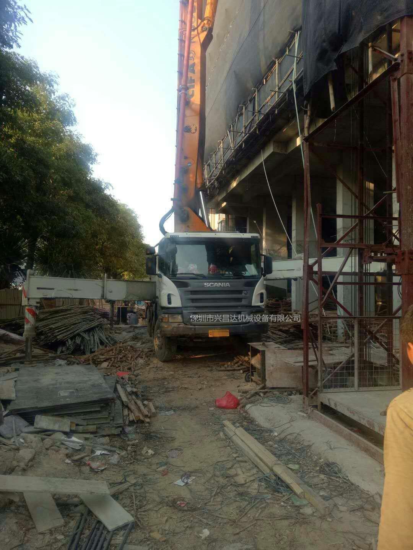 2011年中联重科52米cifa泵车,同年12月上广东牌