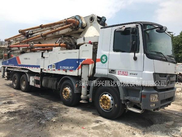 兴昌达中联重科52米奔驰混凝土泵车