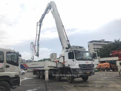 2012年9月份中联重科52米奔驰底盘泵车