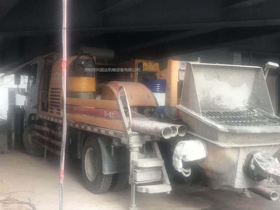 2014年三一重工二手c8混凝土车载泵