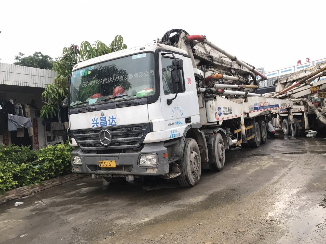 兴昌达中联重科国三绿标45米混凝土泵车