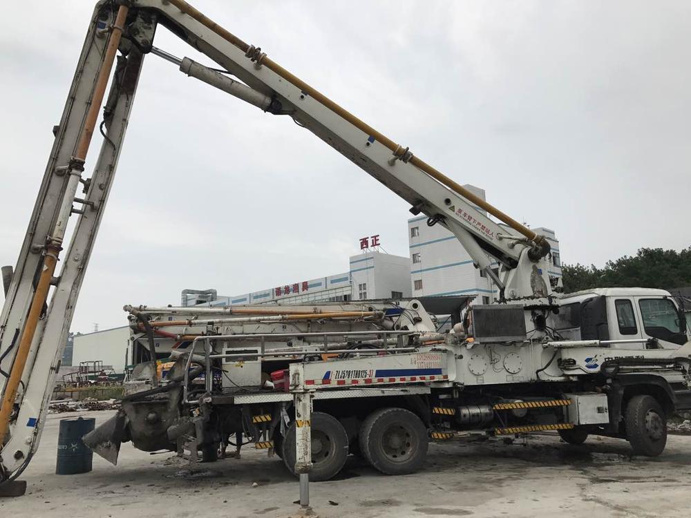 2007年底中联重科37米国三绿标泵车